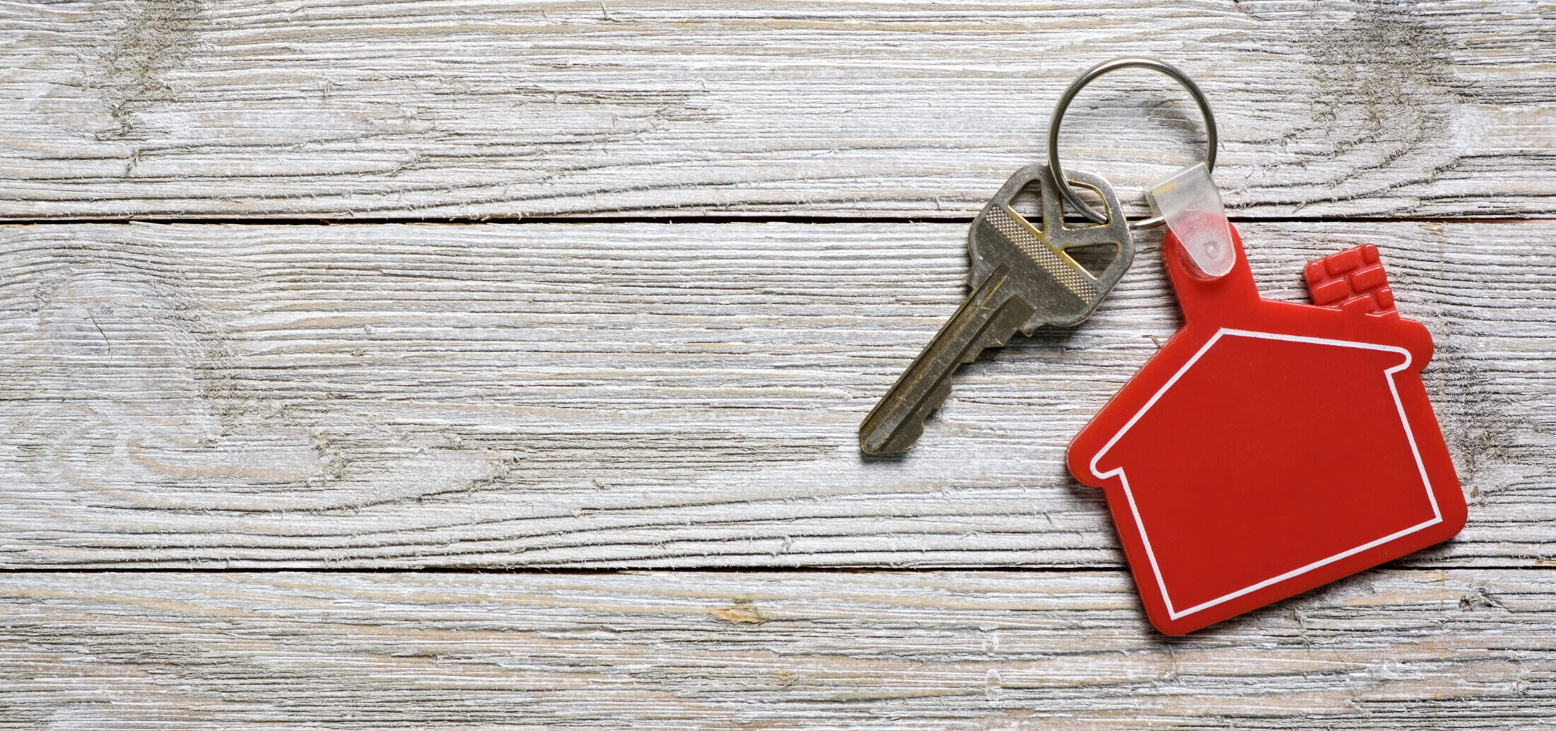 house-key-with-house-keychain